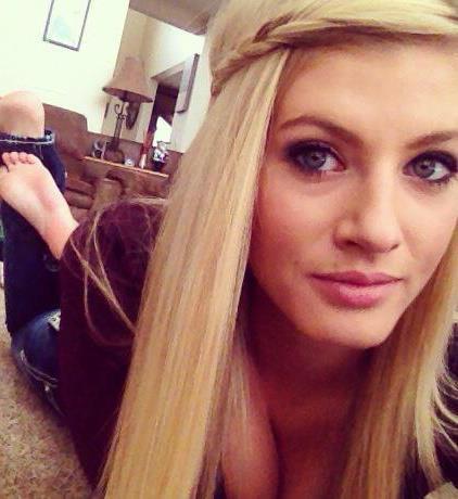<b>Samantha Holmes</b> - scammer-samantha-holmes-3